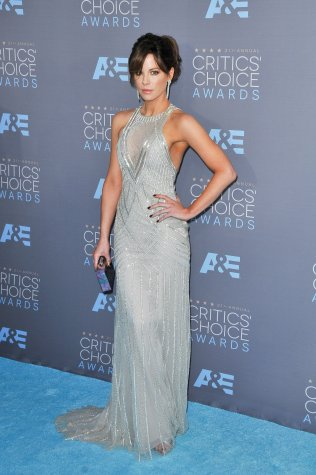 Kate Beckinsale at the Critics Choice Awards in Monique Lhullier